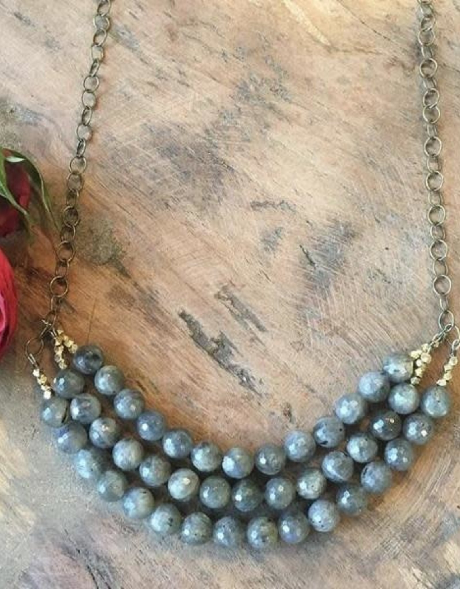 Harlow Harlow Labradorite Necklace with brass accents