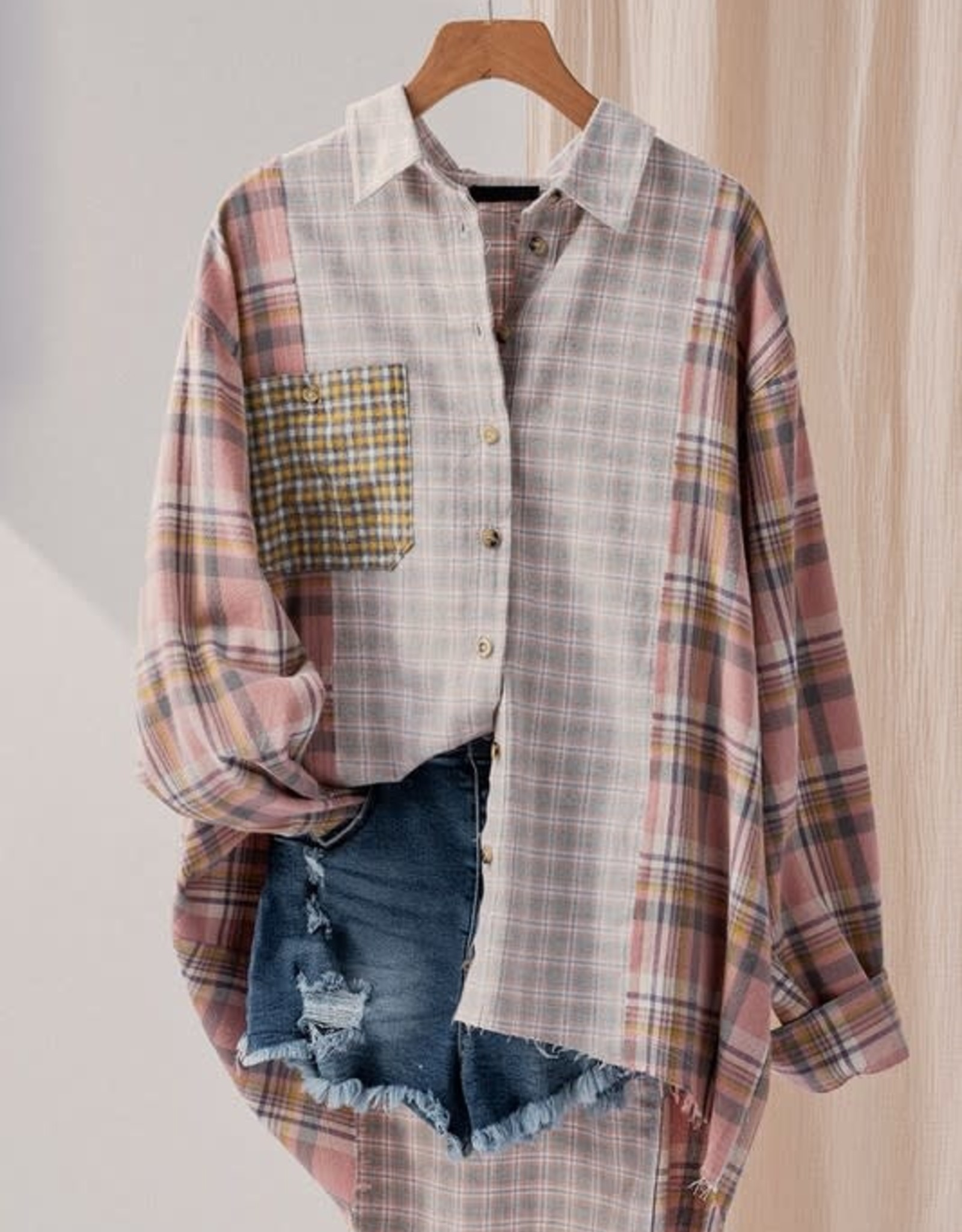 Trend:Notes Oversized Pink Plaid Button Up