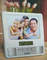 Radio Clock Photo Frame / 16 x 16cm