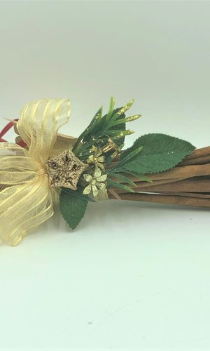 PPI Gold Christmas Cinnamon Sticks 100g