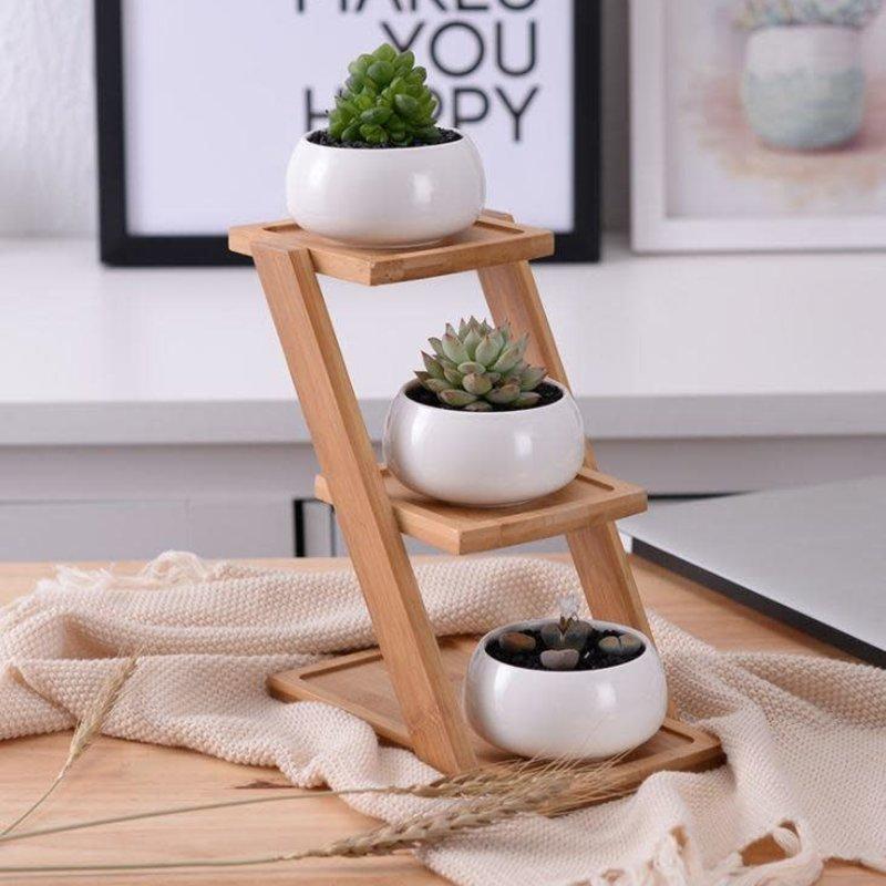 3 Ceramic pot with bamboo step