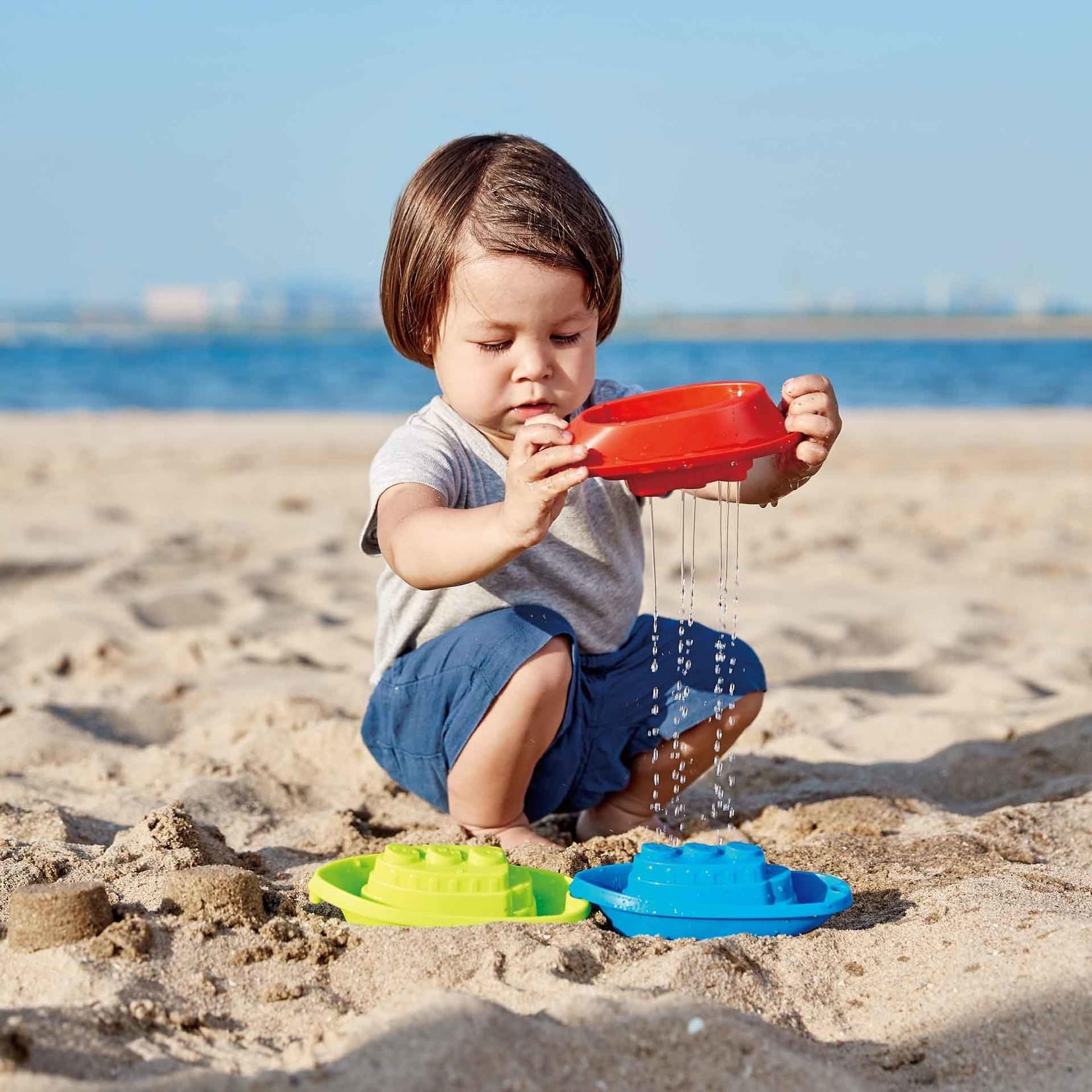 HAPE BEACH AND BATH BOATS