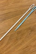 Star Beacon Plastic Tapestry Needle