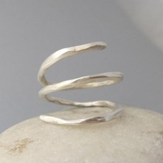 Maddalena Bearzi Arbusto Adjustable Hammered Silver Ring