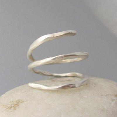 Maddalena Bearzi Arbusto Adjustable Hammered Silver Ring