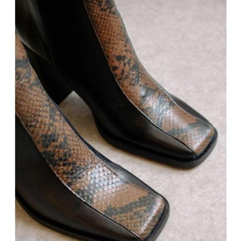 Alohas South Edge Black Python Leather Ankle Boot