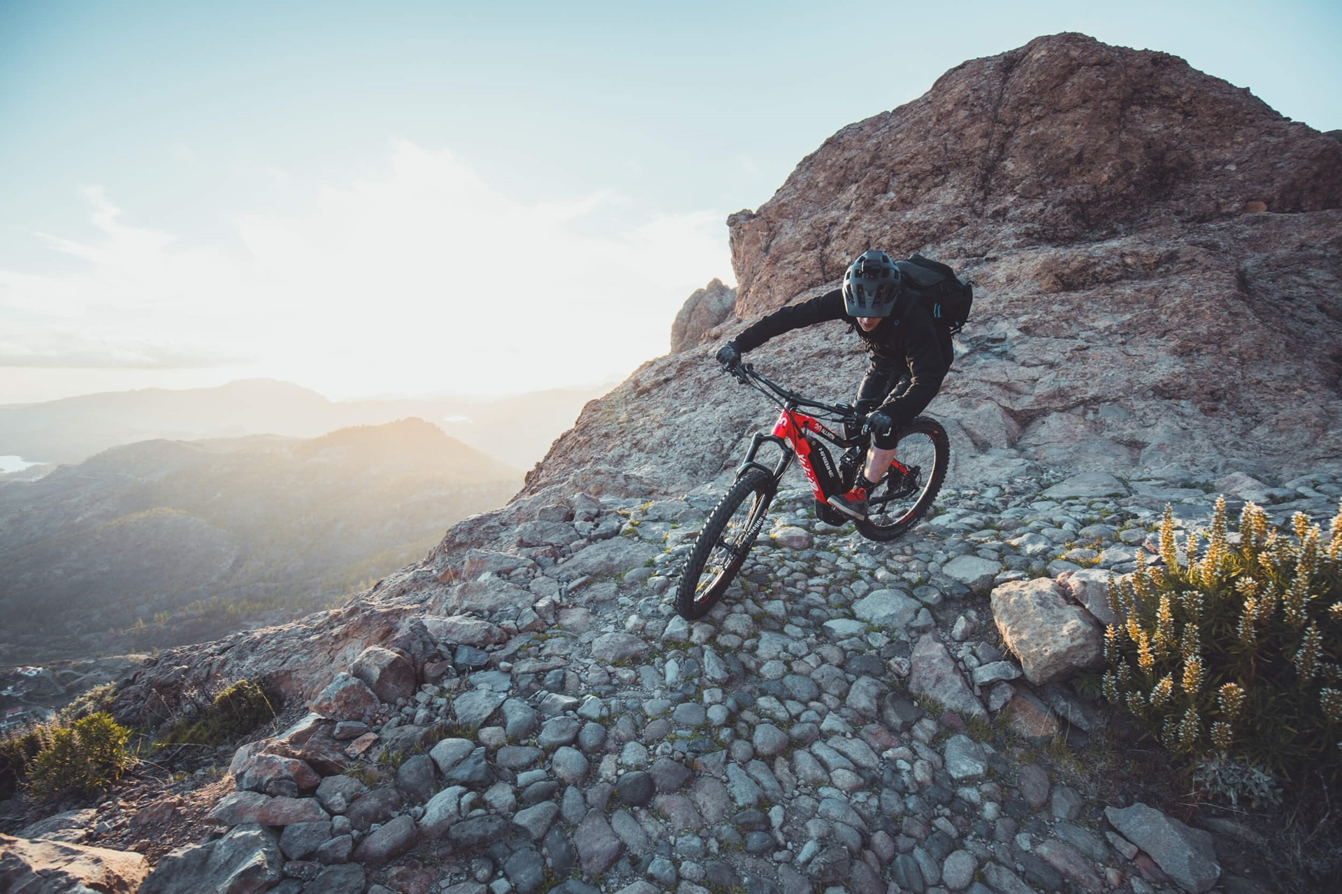 DISCOVER A WORLD FULL OF NEW POSSIBILITIES:  Biking is all about freedom, courage, passion and the joy of discovery. We want to drive people to explore and expand their boundaries, uphill and downhill, by day and night. Regardless of your skill level or r