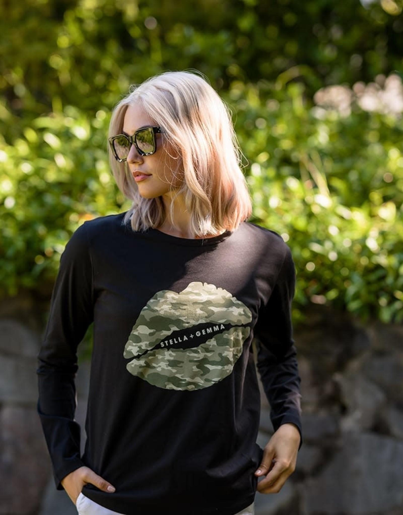 STELLA & GEMMA SGTS3084 Camo Lips Long Sleeve T-Shirt
