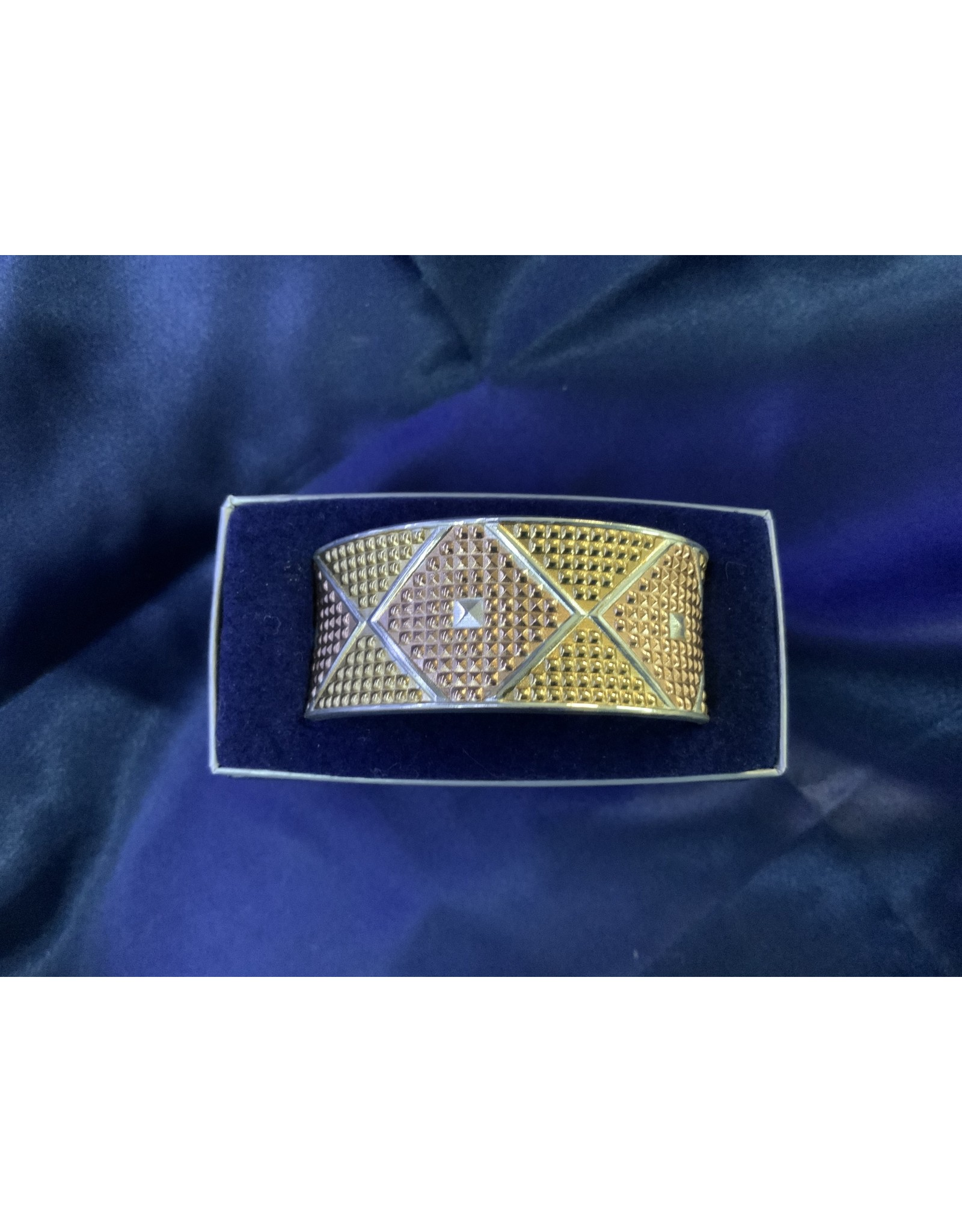 Bracelet - Wide Diamond Cuff #BC2601TRI