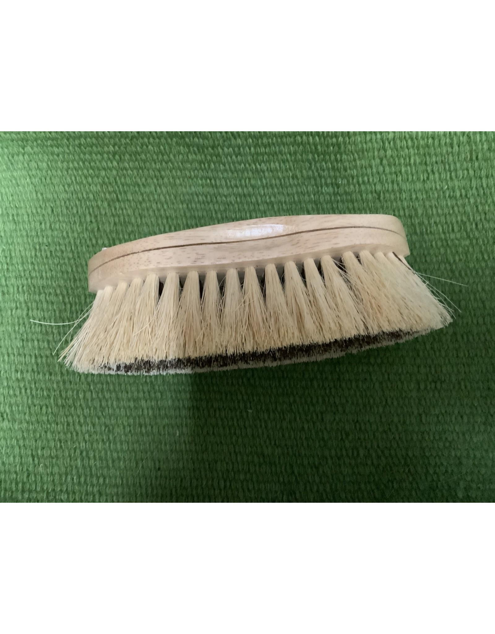 Brush Grooming - Natural Caliente