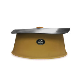 Tub - Loose Mineral High Country Plastic feeder with heavy rubber top for outdoor use for lose mineral and salt