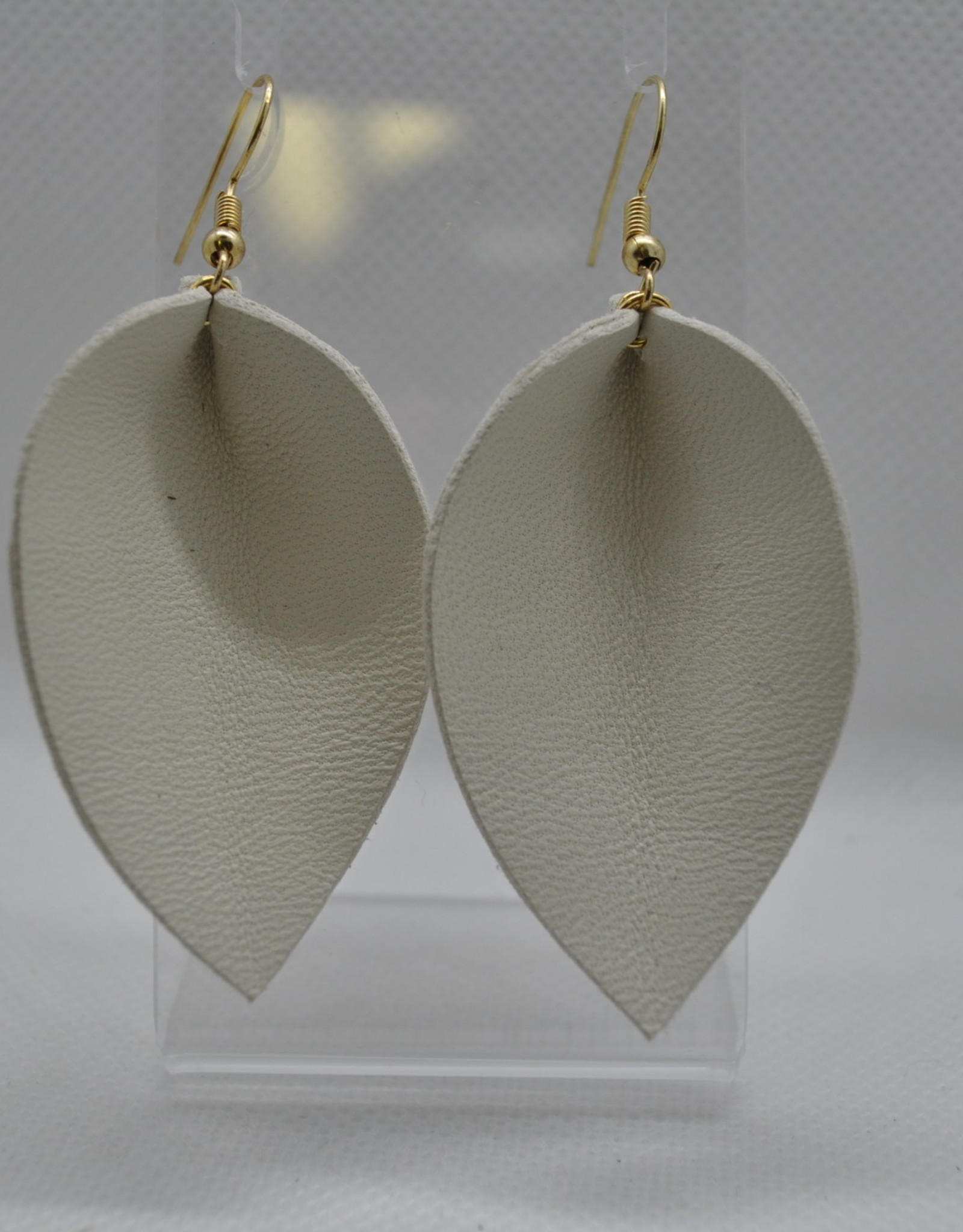 ECLectic Designs White Flower Petal