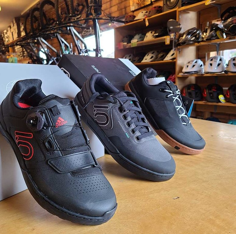 How Should Cycling Shoes Fit?