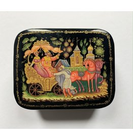 Lacquer Box with Golden Carriage