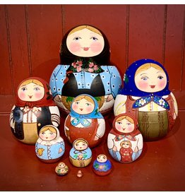 "Traditional ""Hen in Basket"" Matryoshka (Ten-Piece)"