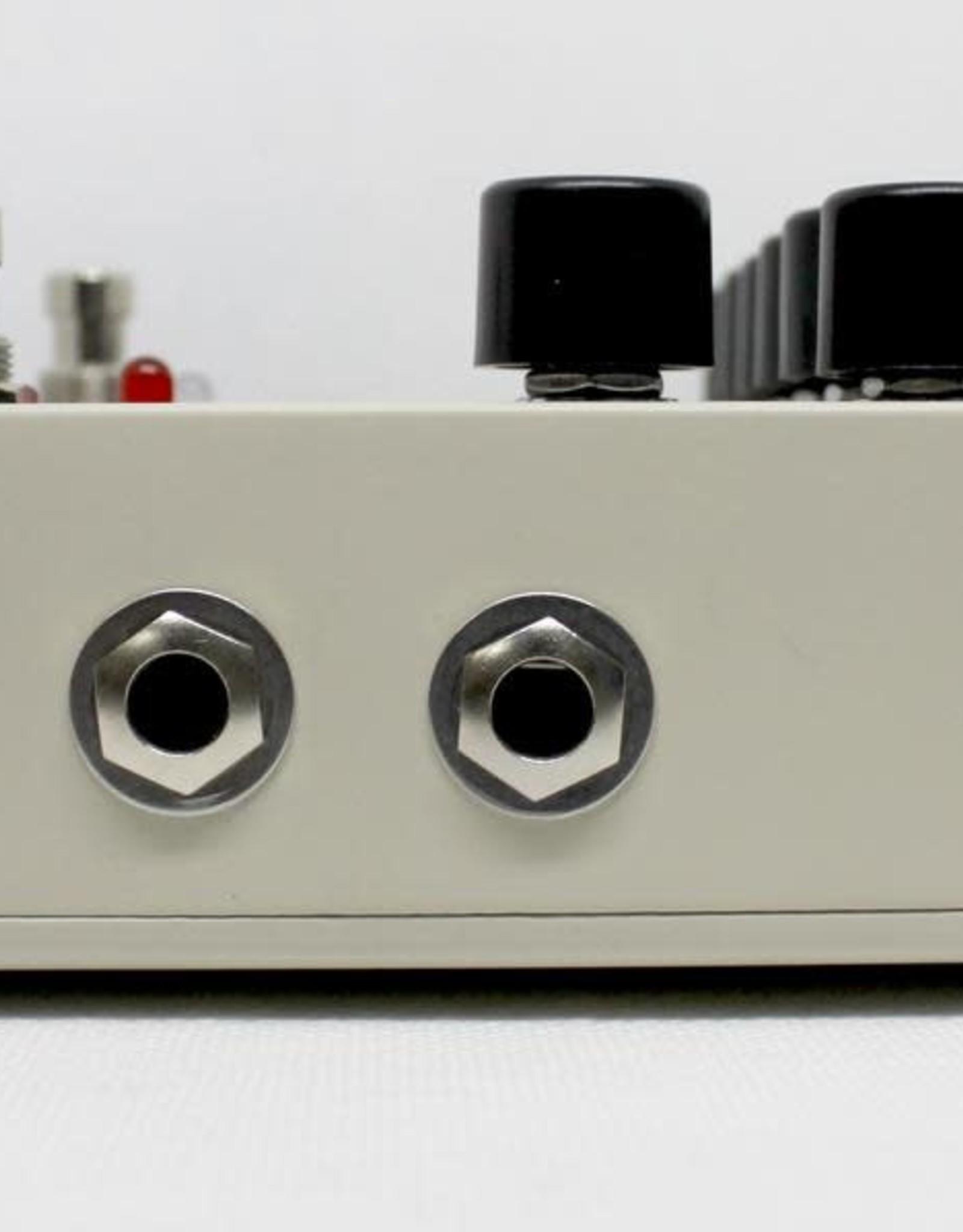 Electro-Harmonix Electro-Harmonix Sovtek Deluxe Big Muff - Distortion/Sustainer Battery Inc, 9.6DC-200 PSU optional