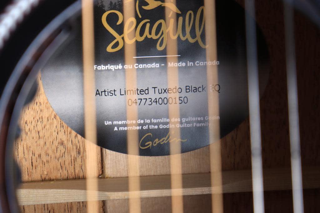 Seagull Seagull Artist Limited Tuxedo Black EQ w/Case