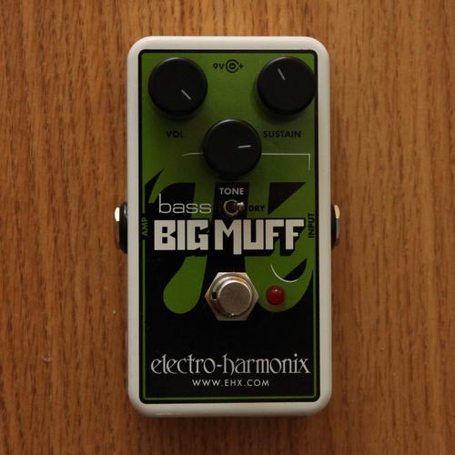 Electro-Harmonix Electro-Harmonix NANO Bass Big Muff Pi Distortion/Sustainer
