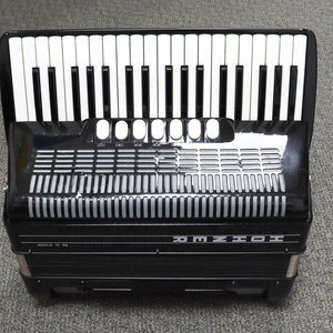 Hohner Used Hohner Amica III 96 Accordion w/Case