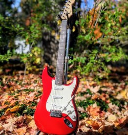 Squier Used Squier Affinity Series Strat in Candy Apple Red