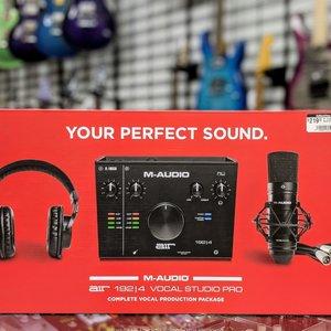 M-Audio M-Audio AIR192|4 Vocal Studio Pro - Complete Vocal Production Package