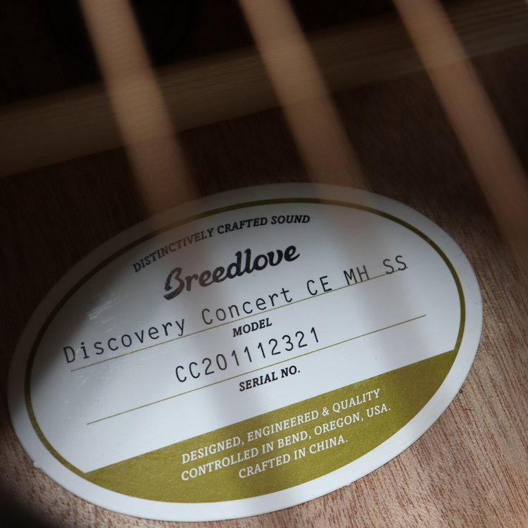 Breedlove Breedlove Discovery Concert Seaside CE Mahogany-Mahogany