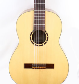 Ortega Ortega R121 Family Series Nylon String Guitar w/Gig Bag