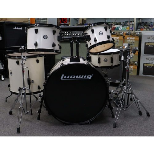 Ludwig Used Ludwig Accent White w/hardware