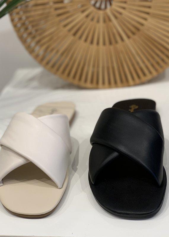 Qupid Criss Cross sandal