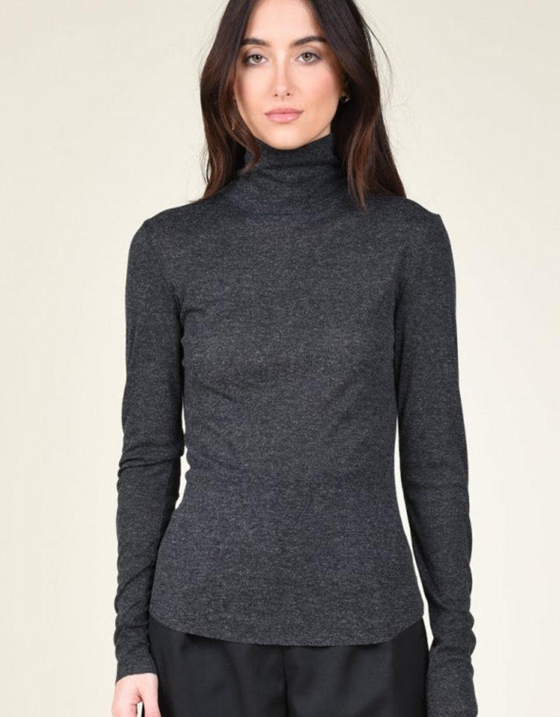 Knit t-neck