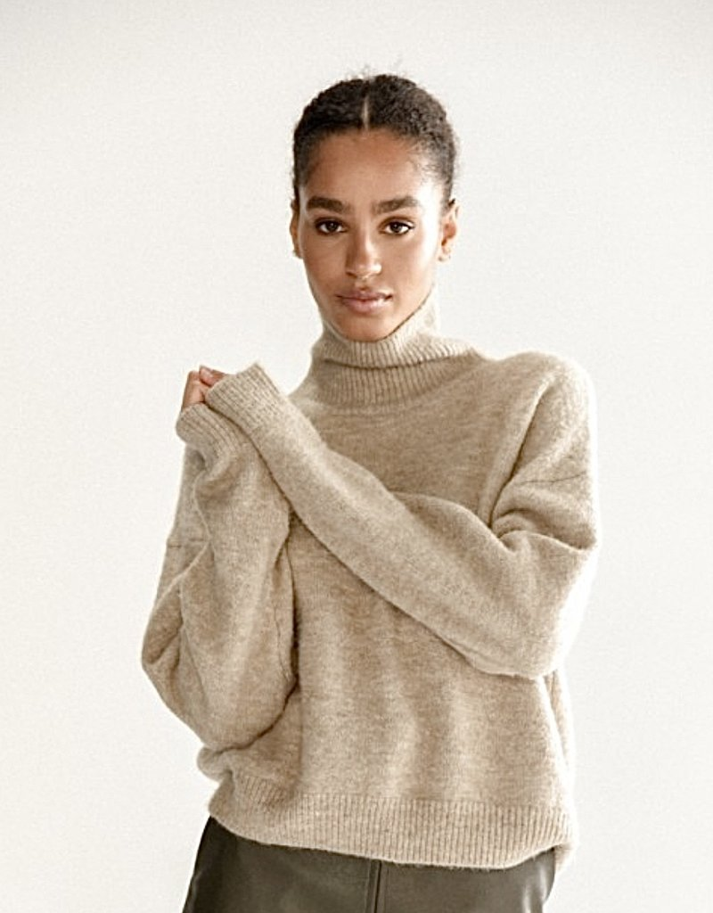 Relaxed fit t-neck sweater