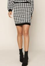 Houndstooth mini sweater skirt