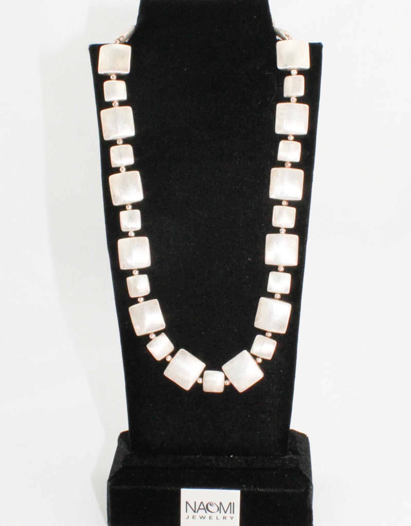 Naomi Jewelry Pillows Necklace
