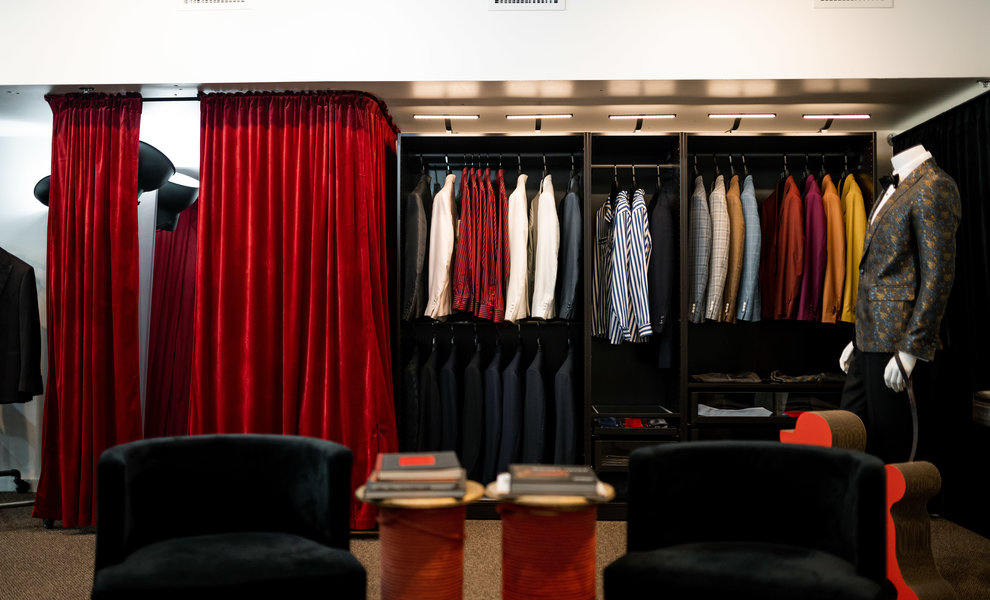 HOW TO BUY A SUIT ONLINE