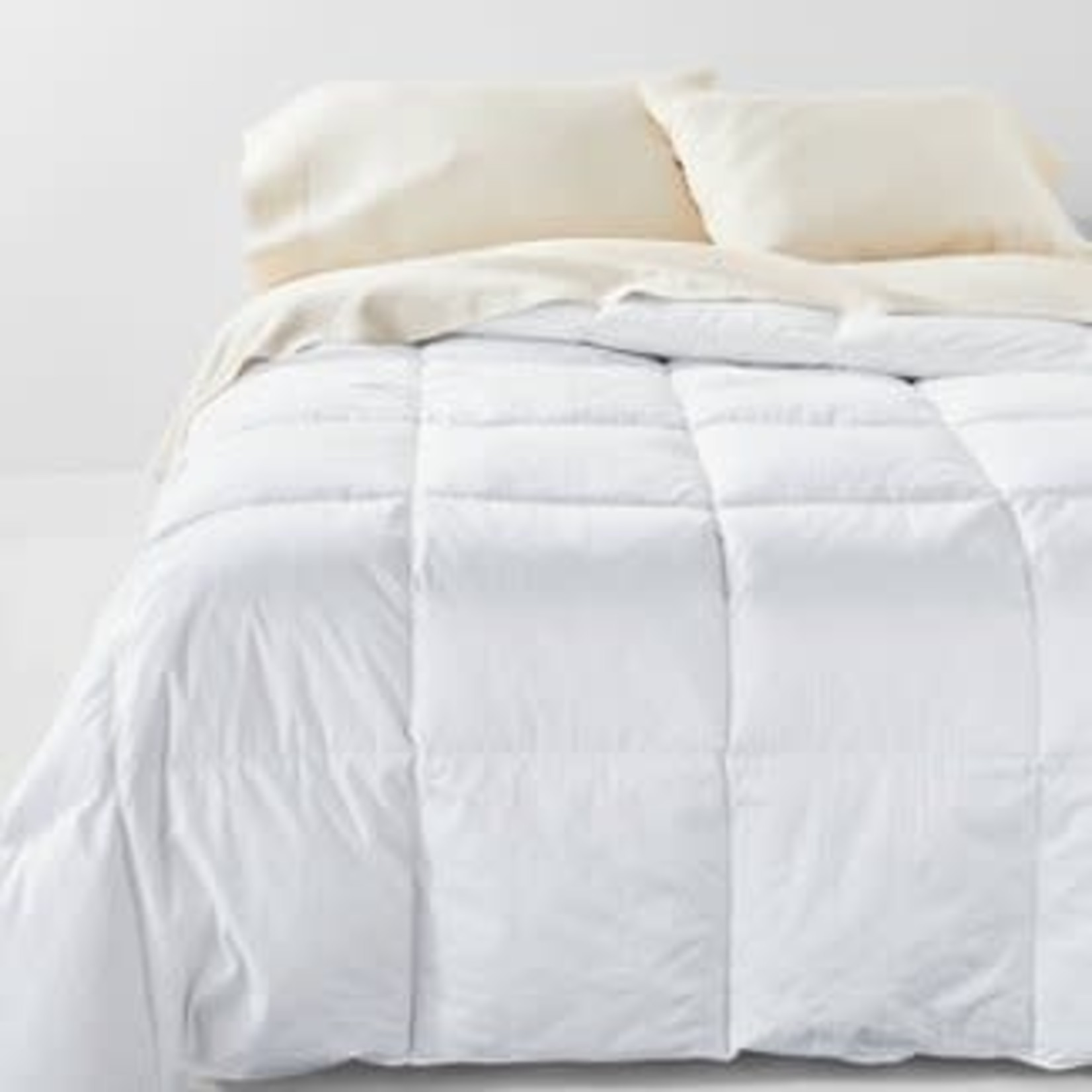 Casaluna Ultra Weight 600 Fill Power Premium Duck Down Hypoallergenic RDS Certified Machine Washable Comforter -KING