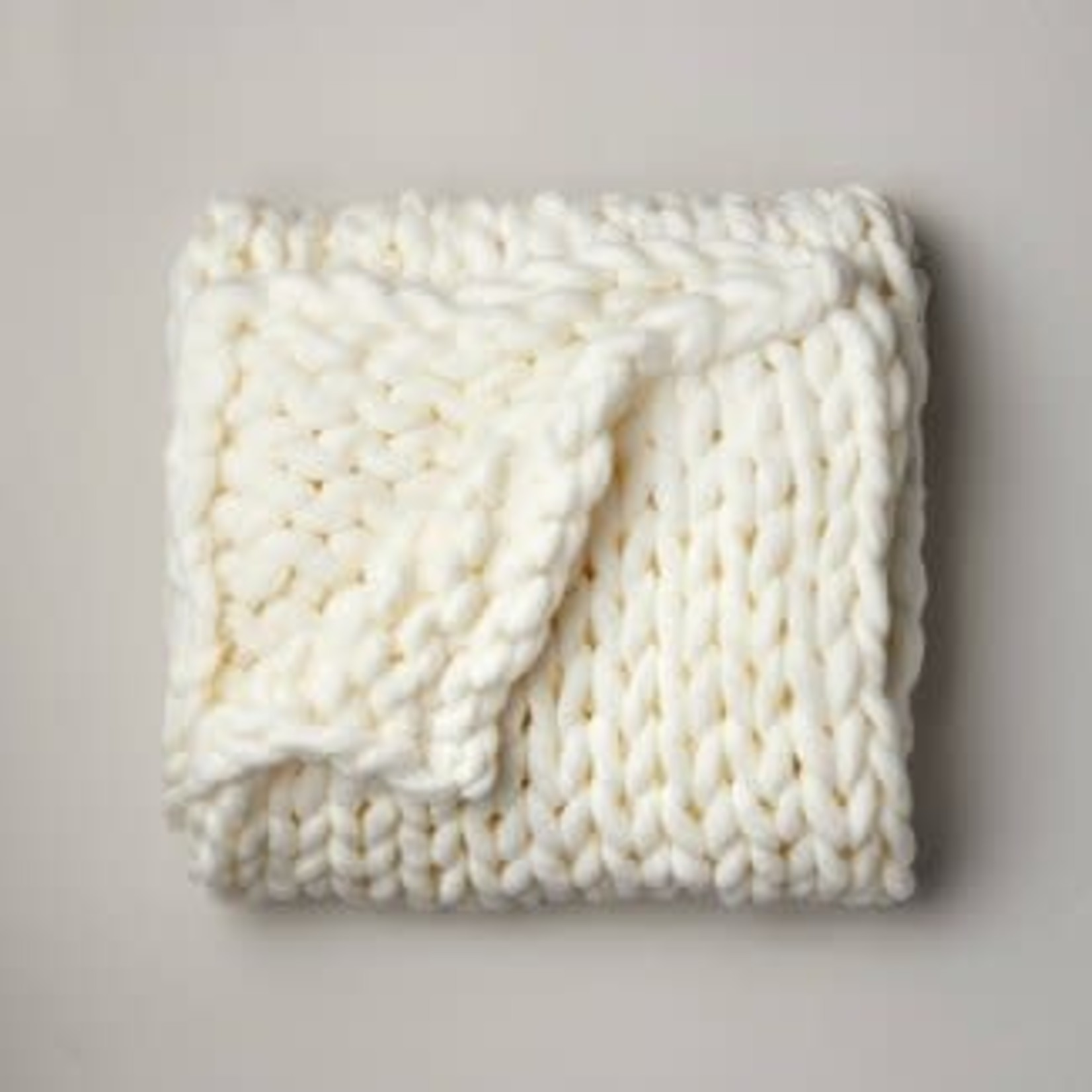 "Casaluna 50""x70"" Oversized Chunky Hand Knit Decorative Bed Throw"