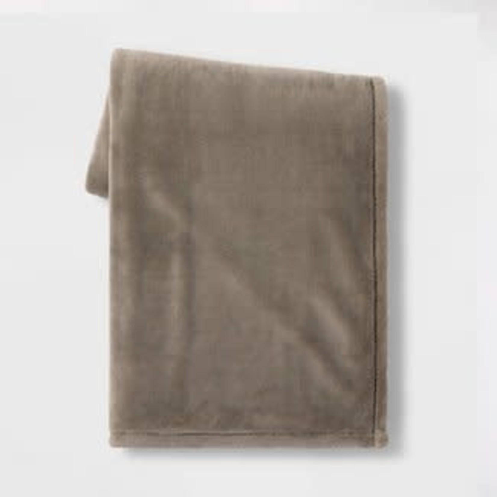 "50""x70"" Oversized Primalush Throw Blanket"