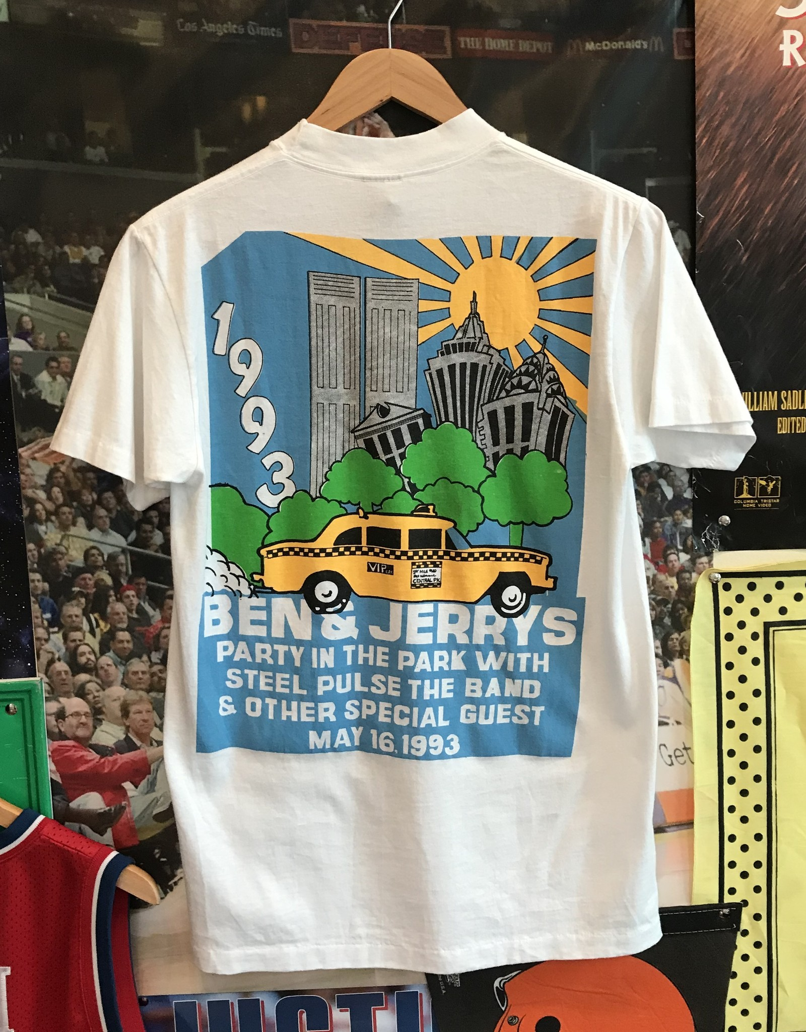 580 ben and jerry's party in the park tee white sz M