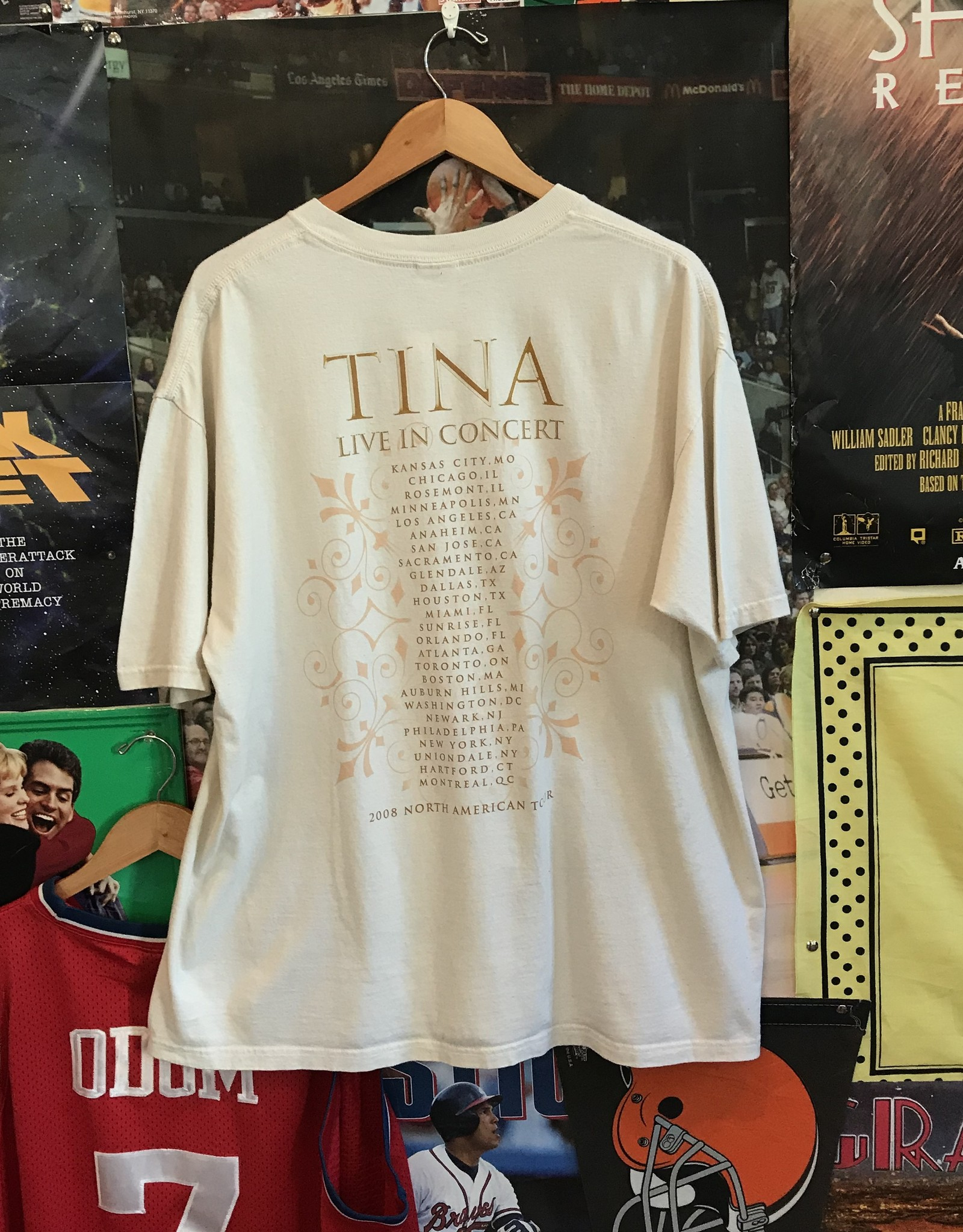 3509tina live in concert tee cream sz XL