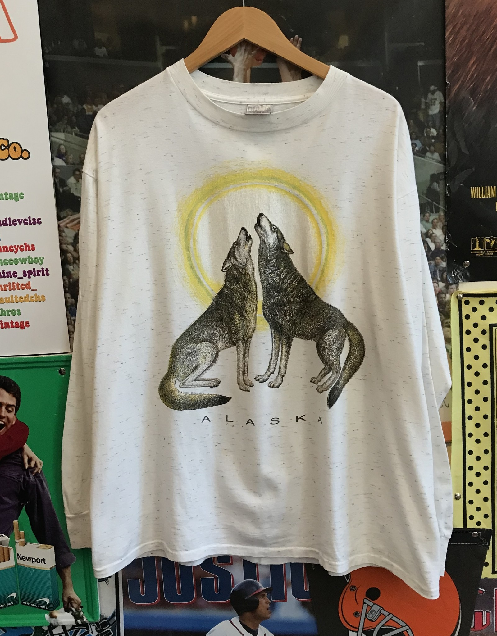 3982alaska wolves longsleeve sz XL