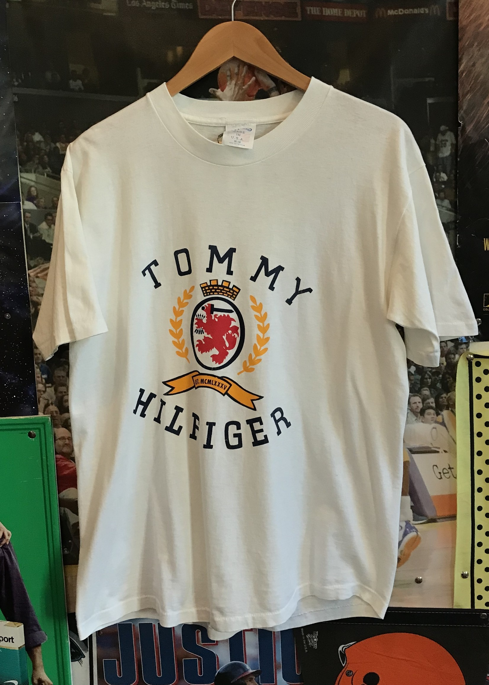 4662tommy white tee sz. M