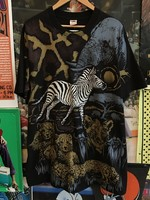 All Over Print Animals Tee sz XL