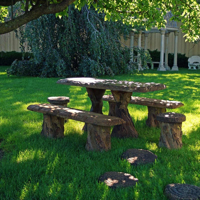 Henri Concrete Woodland Table Set
