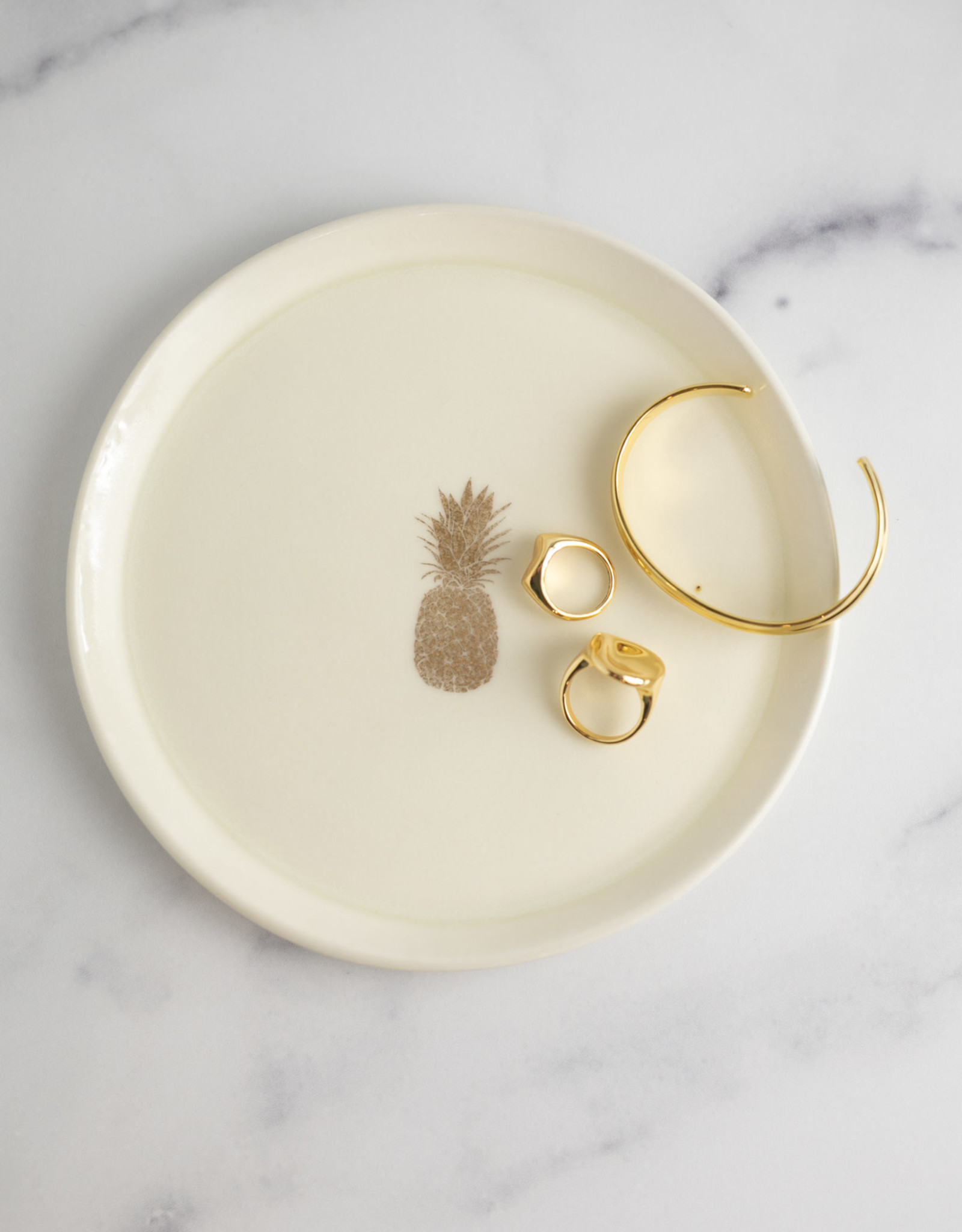 Valentina Guevara - Stoneware Catchtray with Gold Pineapple
