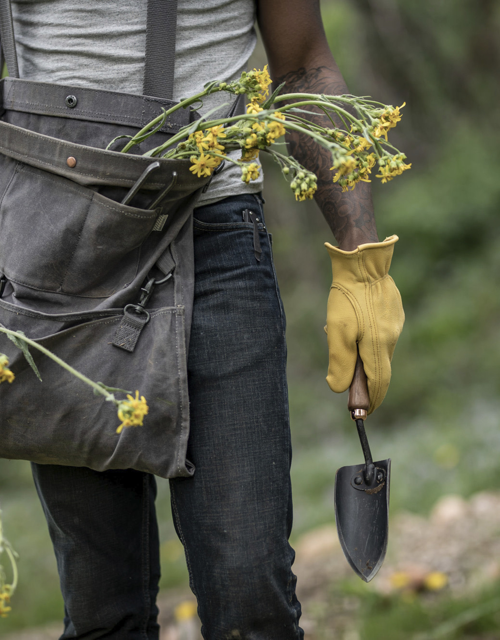 Barebones Barebones - Garden Tools - Walnut Handle Spade
