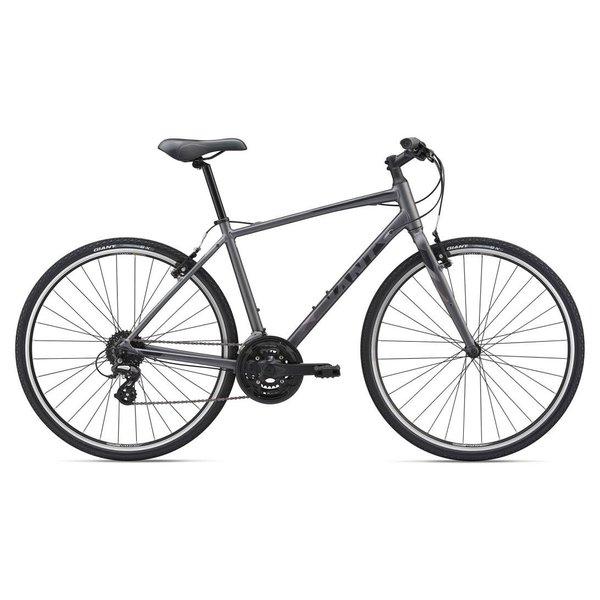 GIANT Location saison - Vélo hybride Escape 2