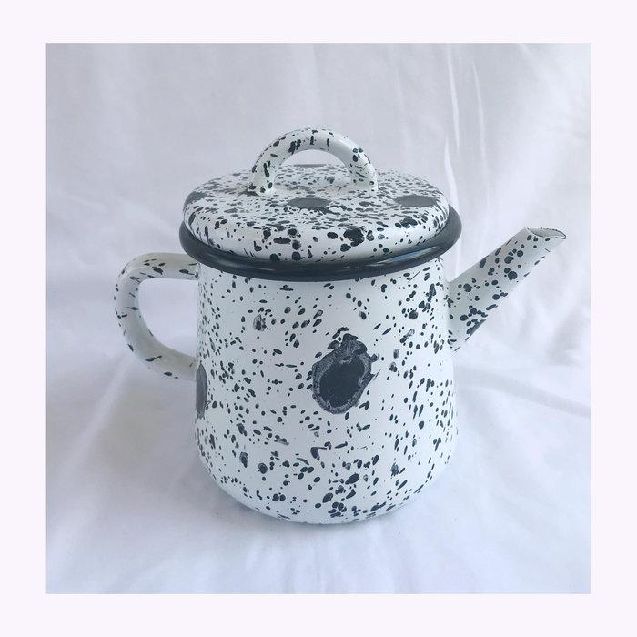 Bornn Bornn Spotted Enamel Teapot