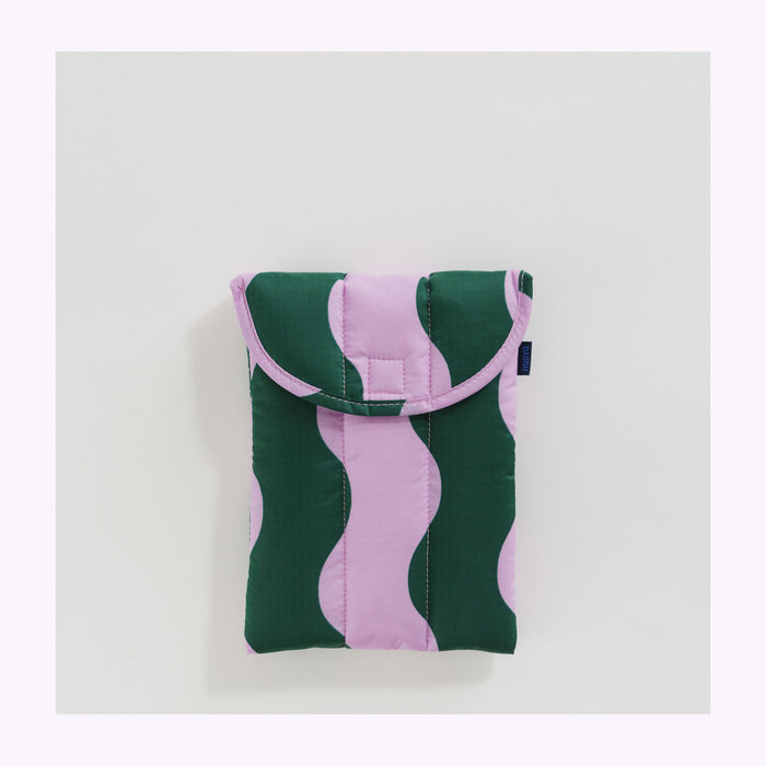 "Baggu pochette Baggu Pink & Green Wavy Stripe Puffy Tablet Sleeve 8"""