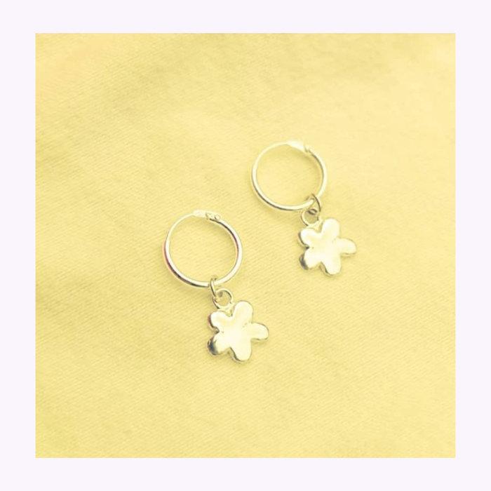 Bilak Bilak Flower Charm Earrings