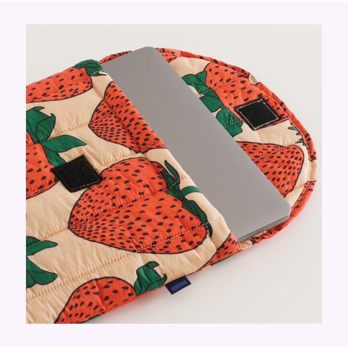 "Baggu Strawberry Puffy Laptop Sleeve 16"""